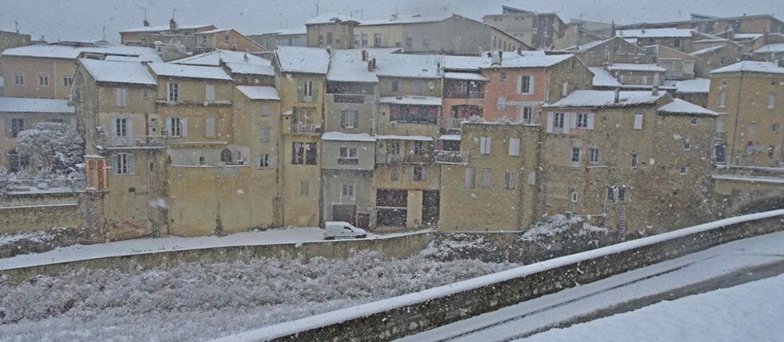 Episode neigeux du 1er décembre à Vaison-la-Romaine en images